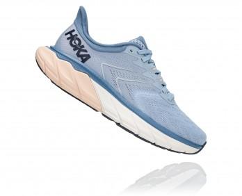 Hoka Arahi 5 - נעלי ספורט נשים הוקה ארהי 5 בצבע תכלת/לבן