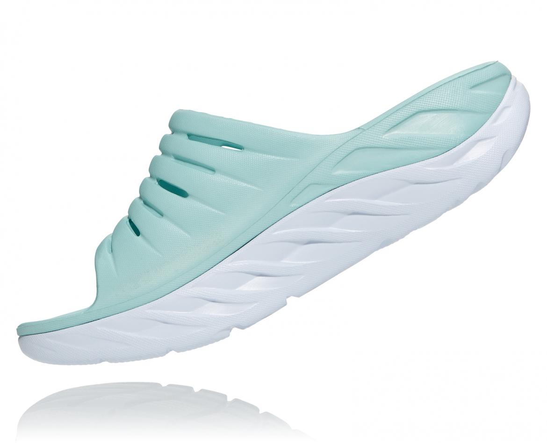 Hoka Ora Recovery - כפכפי סלייד נשים אורה הוקה בצבע תכלת/לבן #4