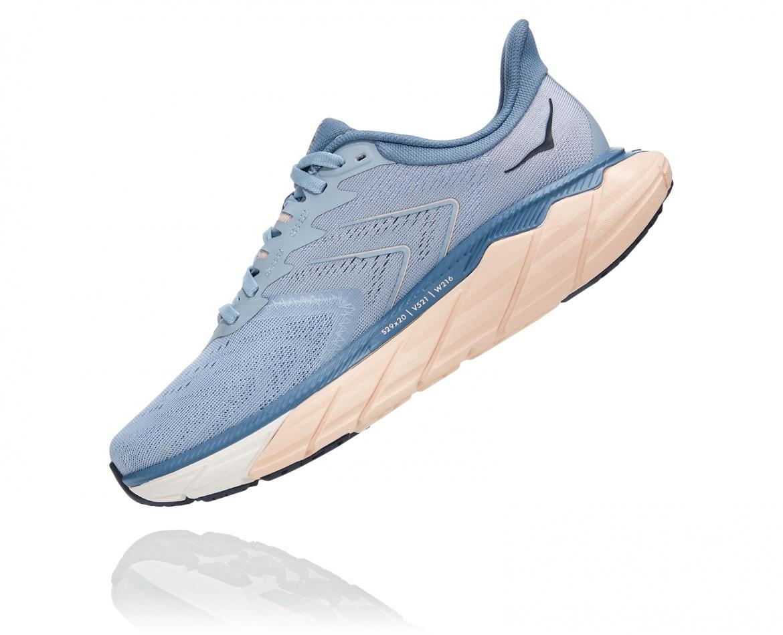 Hoka Arahi Wide 5 - נעלי ספורט נשים הוקה ארהי 5 רחבות בצבע כחול #4